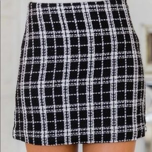 Pink Lily black and white plaid skirt size SMALL